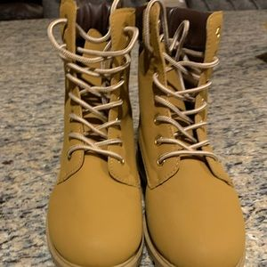 NWOT Charlotte Russe boot